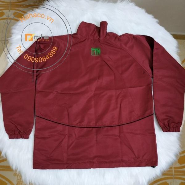 mặt sau của mẫu áo khoác 05