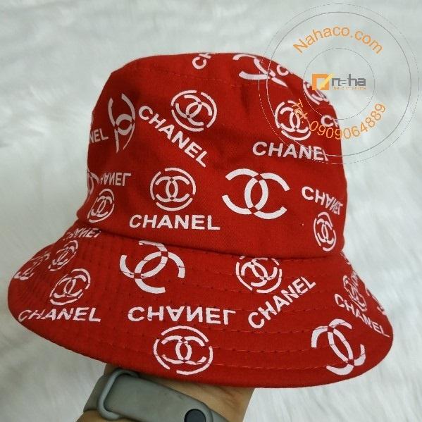 miêu tả trên tay mẫu nón bucket 01
